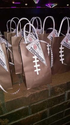 Football party favor bags Pinned for Electric Football by Tudor Games Cowboy Birthday Party, Football Birthday, Sports Birthday, Cowboy Party, 2nd Birthday Parties, Birthday Ideas, 9th Birthday, Birthday Crafts, Football Banquet