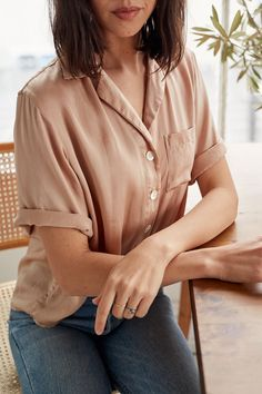 Simple linen basics that will redefine the essentials in your wardrobe to become your new uniform. These nursing friendly classic women's pieces are sustainably made in Los Angeles. Wardrobe Design, Ethical Fashion, Breastfeeding, What To Wear, Pregnancy, Silk, Minis, Outfits, Shopping