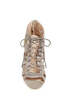 // neutral heel sandal | pour la victoire