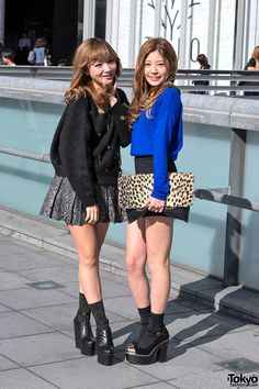 Just posted 75street snaps from Tokyo Girls Collection A/W 2012. Japanese fall fashion trends in effect include faux leather, leopard print, clutches  ear hats.
