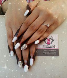 White nailart # bride nails #strass #diva nails