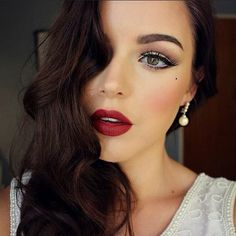 Create An Old Hollywood Beauty Look With This Makeup Tutorial - From Real Style :: /realstyle/   Glamour Shots