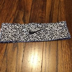 Nike headband Never worn Nike headband. Inside band non-slip grips. Nike Accessories Hair Accessories