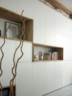mur rangements blanc bois scandinave Plus - anaïs vonarx Living Room Storage, Living Room Decor, Home Theaters, White Storage Cabinets, Ikea Wall, Muebles Living, Home And Living, Furniture Design, Tv Furniture