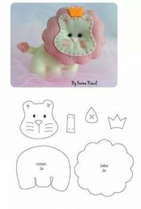 Animals made of felt with their hands pattern. Sewing Toys, Sewing Crafts, Sewing Projects, Felt Projects, Felt Patterns, Craft Patterns, Felt Diy, Felt Crafts, Baby Mobile