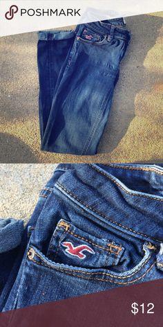Hollister 0short jeans Hollister super skinny jeans, size 0 short. Outgrew them fast!! Hollister Jeans Skinny