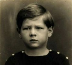 MS Regele Mihai I în timpul primei domnii, 1927-1930. Michael I Of Romania, Romanian Royal Family, King Jesus, Celebrity Beauty, Royal Style, Royal Fashion, Motto, Royalty, Times