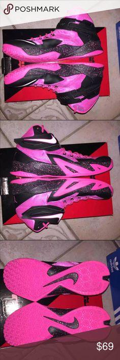 Nike Zoom soldier viii. women size 10.5 men 8.5. Nike Zoom soldier viii. women size 10.5 men 8.5.  Hot pink and black Nike Shoes Sneakers