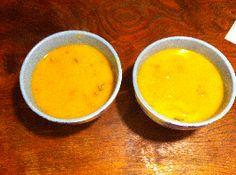 Pittige pompoen-knolselderijsoep. Lekker met een scheut soja cuisine.