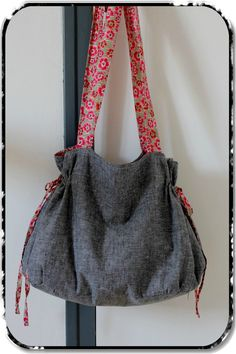 Angel Mélie - Page 2 - Angel Mélie Sacs Tote Bags, Creative Bag, Diy Sac, Diy Bags Purses, Boho Bags, Couture Sewing, Bag Patterns To Sew, Simple Bags, Clothes Crafts