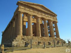 Vallei dei Temple Agrigento A Unesco world heritage site Heritage Site, Cool Places To Visit, Trekking, Gazebo, Europe, Outdoor Structures, World, City, Travel