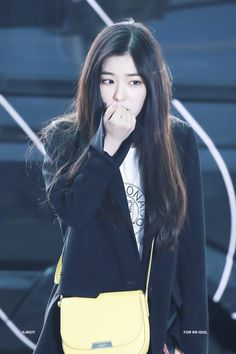 baby what happened Irene Red Velvet, Rapper, Miss Girl, My Wife Is, Young And Beautiful, Seulgi, Kpop Girl Groups, Korean Girl, Actresses