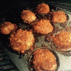 If you're a fan of dark chicken meat, you'll like this Muffin Pan Chicken Thigh recipe! Start off with boneless skinless chicken thighs. In a zip lock bag or bowl, marinate them in teriyaki sauce for thirty minutes. Use a muffin pan that you don't mind getting charred. Use a napkin to wipe the pan …
