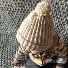 Welcome to Rich Textures Crochet! Today we are going to learn how to crochet this easy children's crochet hat! Easy Crochet Hat Patterns, Crochet Hat Sizing, Holiday Crochet Patterns, Free Crochet, Crochet Baby, Beanie Pattern Free, Crochet Beanie Pattern, Free Pattern, Childrens Crochet Hats