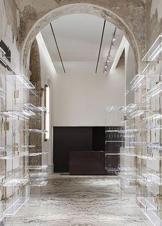 Antonia boutique, Milan by VINCENZO DE COTIIS