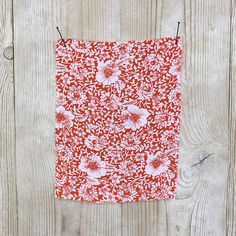 Buy rayon fabric online // A scarlet red 'Honey Bee' floral print on a beautiful drapy rayon crepe. We also sell a huge range of Liberty cotton fabrics, silk fabrics and New Zealand merino fabrics. Crepe Fabric, Cotton Fabric, Sewing Tutorials, Sewing Projects, Brokat, Learn To Sew, Fabric Online, Red S, Free Sewing
