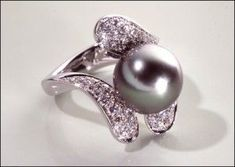 pearl engagement rings=black pearl