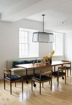 Tables on wheels: infinitely versatile. Combine two to make one large table, or use one as a mobile kitchen island.