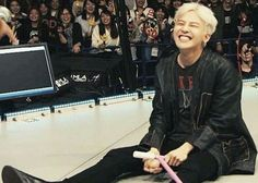 Always make me smile like an idiot. ❤ #jiyong-ah