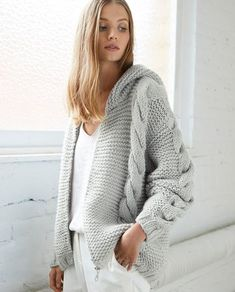 Sweater Hat, Knit Cardigan, Pullover Sweaters, Thick Sweaters, Cool Sweaters, Knitting Club, How To Make Scarf, Knitwear, Knit Crochet