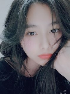 Pretty Korean Girls, Cute Korean Girl, Beautiful Asian Girls, Ulzzang Hair, Ulzzang Korean Girl, Uzzlang Girl, Girl Face, Korean Best Friends, Korean Face