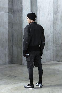 3 Kind Tips AND Tricks: Urban Fashion Illustration Style urban fashion grunge outfit.Urban Fashion For Men Inspiration. Urban Apparel, 90s Urban Fashion, Teen Fashion, Fashion Shoot, Fashion Outfits, Monochrome Fashion, Dark Fashion, High Fashion, Sport Style