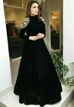 <img> Black tapeta silk embroidered partywear gown Source by - Pakistani Dresses, Indian Dresses, Sabyasachi Gown, Anarkali Dress, Moda India, Hijab Fashion, Fashion Dresses, Women's Fashion, Fashion Vestidos