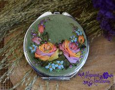 Купить Зеркальце с авторской вышивкой лентами - салатовый, оранжевый, голубой, сиреневый, нежно зеленый, розы