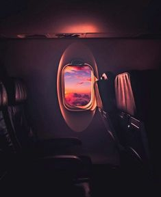 We all know, most of our summer vacation photos are embarrassing! Wait until you lay your eyes on these Epic TRAVEL PHOTO FAILS that will have you laughing! Sky Aesthetic, Travel Aesthetic, Aesthetic Photo, Aesthetic Pictures, Airplane Photography, Travel Photography, Aesthetic Backgrounds, Aesthetic Wallpapers, Airplane Wallpaper