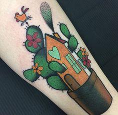 Ylenia Manzoni vinil cactus tattoo