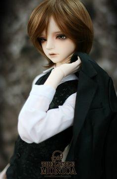 Little Monica Renonne. He's so cute and sad!