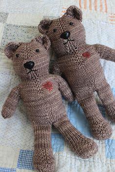 Ravelry: Magic Loop Teddy pattern by Julie Tarsha Teddy Bear Patterns Free, Teddy Bear Knitting Pattern, Knitted Teddy Bear, Crochet Pattern, Teddy Bears, Free Crochet, Free Pattern, Knitting For Kids, Knitting Projects