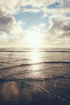 """motivationsforlife: """"90 mile beach by Chris Zielecki \\ MFL"""""""