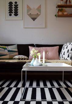 Die Schönsten Poster In Echten Wohnungen #poster #interior #deko #decor  #inneneinrichtung #dekorationsideen #black #white #minimal Foto: Hello Mrs U2026