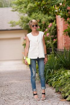 2013 top (Library by Lauren Lail c/o), jeans clutch (Zara), Over 50 Womens Fashion, Fashion Over 40, Casual Outfits, Fashion Outfits, Fashion Trends, Looks Style, My Style, Looks Jeans, Outfits Mujer