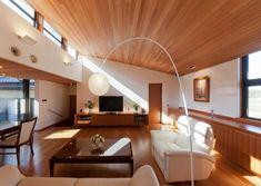 勾配天井の明るいリビング(『OK-house』アメリカンブラックチェリーの家) - リビングダイニング事例|SUVACO(スバコ)