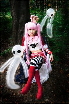 Perona (One Piece) | Wow cool, she and the ghost look good!