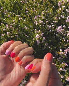 Discover the 10 most popular nail polish colors of all time! - My Nails Funky Nails, Cute Nails, Pretty Nails, Bright Nails, Pastel Nails, Spring Nails, Summer Nails, Hair And Nails, My Nails