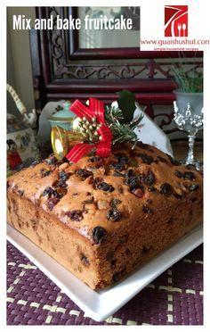 Simple Mix and Bake Fruit Cake With Royal Icing (简易杂果蛋糕) - Guai Shu Shu Chrismas Cake, Boiled Fruit Cake, Buttercream Cake Designs, Easy Cake Decorating, Big Cakes, Mixed Fruit, Baking Tins, Occasion Cakes, Royal Icing