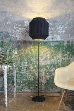 Rich Brilliant Willing I Delta Floor Lamp Black