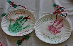 Simple Christmas handprint craft