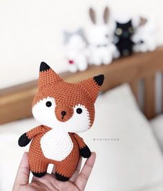 With this pattern by Hainchan you will lear how to knit a Coral The Little Fox - Crochet PDF pattern step by step. It is an easy tutorial about fox to knit with crochet or tricot. Crochet Kawaii, Bunny Crochet, Crochet Animal Amigurumi, Crochet Animal Patterns, Stuffed Animal Patterns, Cute Crochet, Amigurumi Patterns, Amigurumi Doll, Crochet Dolls