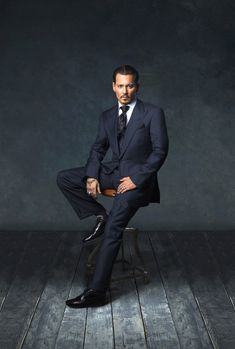 The wonder of Johnny Depp Photo Corporate Portrait, Business Portrait, Johnny Depp Wallpaper, Johnny Depp Pictures, Johnny Depp Movies, Johnny Depp Quotes, Here's Johnny, Foto Casual, Photography Poses For Men