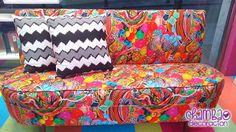 Viajamos con chambao en el #sofá de Chambao #Decoración puesto que está en promoción. Más de uno vais a sentir un amor profundo al ver este sofá, y es que esta semana os traemos la promoción de este sofá tan colorido y original por sólo 400€, como lo lees, puedes ser #la más o el más original del mundo gracias a este sofá. Si consigues hacer un #efecto #contrastado gracias a unos bonitos #cojines serás la envidia de todos y seguramente hasta te pregunten si eres #decorador.
