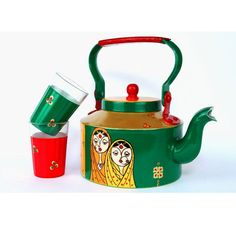 homedecor indian Handpainted Kettle Indian Twin Sisters Show less Bottle Painting, Bottle Art, Bottle Crafts, Indian Arts And Crafts, Diy And Crafts, Indian Home Decor, Diy Home Decor, Kitsch, Ethnic Decor
