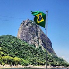 "DIA 7 DE SETEMBRO INDEPENDÊNCIA DO BRASIL DAY 7 SEPTEMBER INDEPENDENCE OF BRAZIL <3 O Brasil . Denomina-se Independência do Brasil o processo que culminou com a emancipação política do território brasileiro do Reino Unido de Portugal, Brasil e Algarves (1815-1822), no início do século XIX, e a instituição do Império do Brasil (1822-1889), no mesmo ano. Oficialmente, a data comemorada é a de 7 de setembro de 1822, em que ocorreu o chamado ""Grito do Ipiranga"". De acordo com a ..."