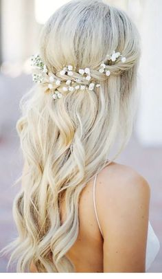 Check out the top most beautiful wedding hairstyles - Frisuren Hochzeitsgast Vintage Wedding Hair, Wedding Updo, Wedding Songs, Wedding Wishes, Wedding Bride, Wedding Dresses, Curled Hairstyles, Diy Hairstyles, Hairstyle Ideas