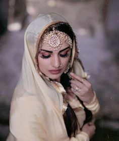 You are in the right place about casual Bridal Outfit Here we offer you the most beautiful pictures about the Bridal Outfit receptions you are looking for. When you examine the part of the picture you Hd Wallpapers For Mobile, Mobile Wallpaper, Long Jacket Lehenga, Patiala Suit Designs, Punjabi Models, Indian Bridal Outfits, Bride Portrait, Cute Girl Poses, Bridal Looks