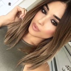 Follow @paletteplayground ✨ #khakistyles #fashion #beauty #makeup