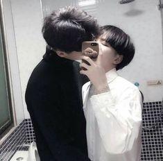 Tumblr Gay, Couple Ulzzang, Korean Boys Ulzzang, Gay Aesthetic, Couple Aesthetic, Gay Lindo, Lgbt Love, Korean Couple, Cute Gay Couples